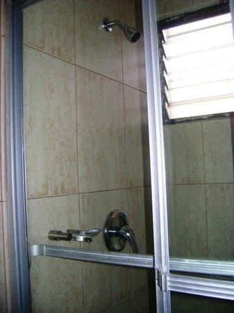 Hotel Centroamericano: Ducha amplia, el agua salia muy caliente