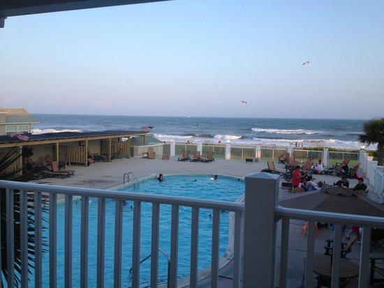 Islander Inn & Suites: Pool