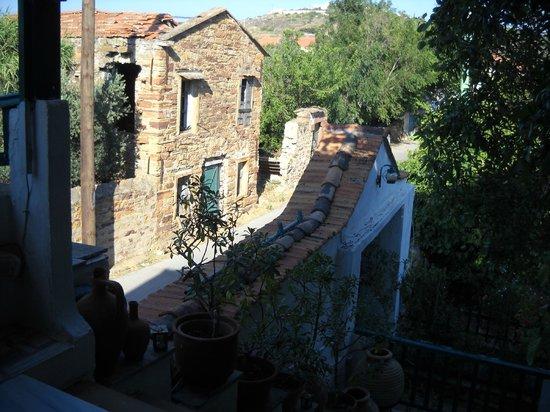 Topakas House : La struttura esterna,tipica delle case del Kambos