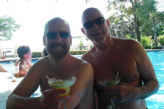 Hotel Si Como No: Adult happy hour daily at the uphill pool - today special is margarita