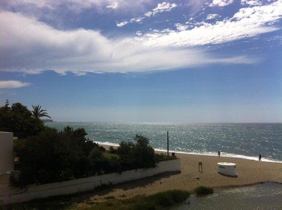 VIK Gran hotel Costa del Sol: View from balcony towards la cala