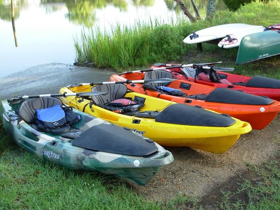 The Inn at Tabbs Creek Waterfront B&B: Kayaks and SUP boards