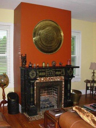 The Inn at Tabbs Creek Waterfront B&B: Common room