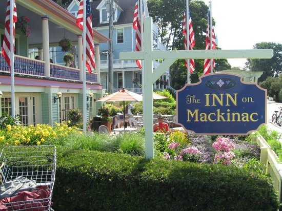 Inn on Mackinac : Outdoor patio surrounded by flowers