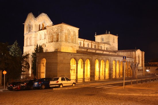 Arco San Vicente: Basilica de San Vicente, Avila