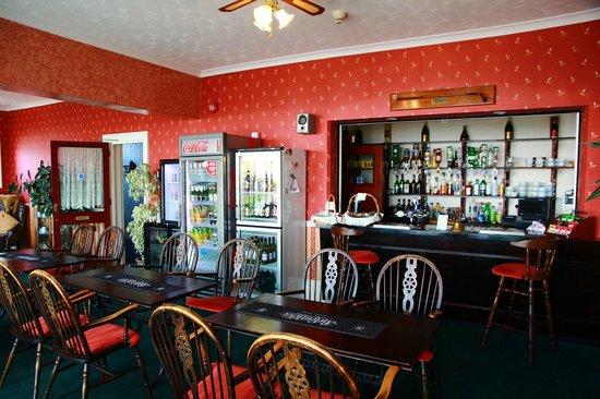 Carlton Hotel: lounge and bar area