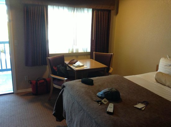 BEST WESTERN Country Inn: Room