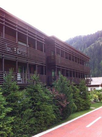 Saleghes Mountain Residence : esterno, lato monte