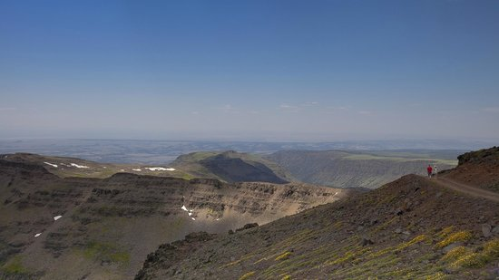 Hotel Diamond : A view from The Steens Mountain (