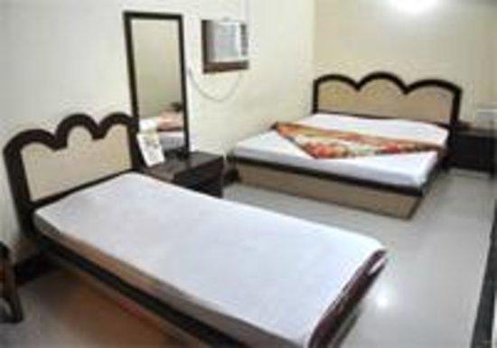 Hotel Vishal: room