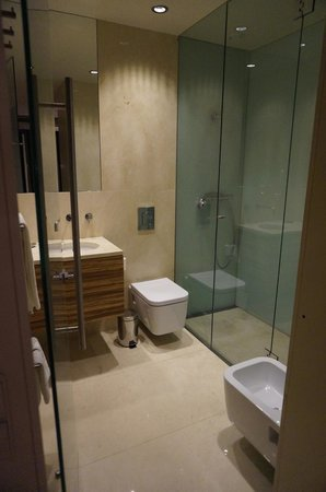 Serviced Apartments Boavista Palace: Ensuite bath