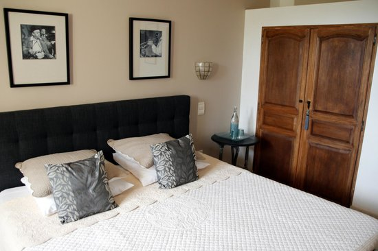 Bastide aux Camelias: Lilas bedroom