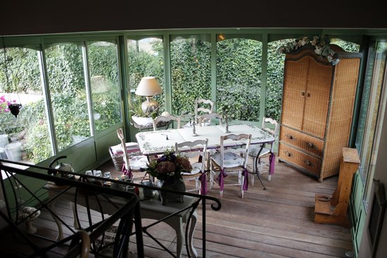 Bastide aux Camelias: Inside breakfast area...not used during our stay