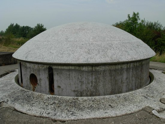 Battice, Belgium: A gun turret which raises and rotates
