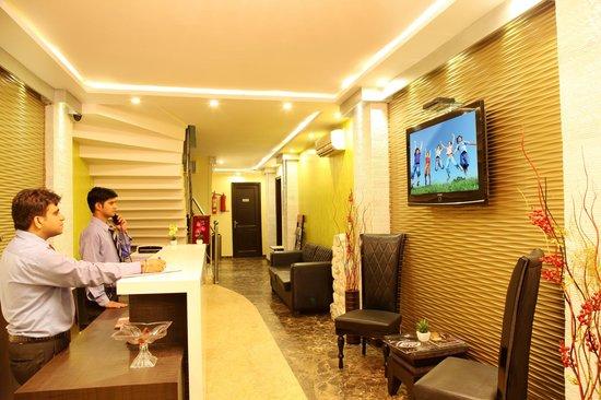 Hotel TJS Royale : Reception