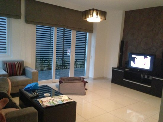 Ha Do Villas: main level living room