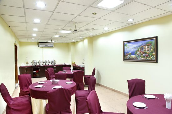 Hotel TJS Royale : Restaurant