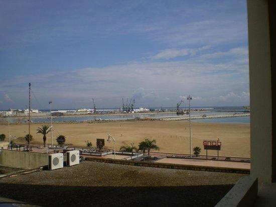 Atlas les Almohades Tanger : vista desde el hotel 1