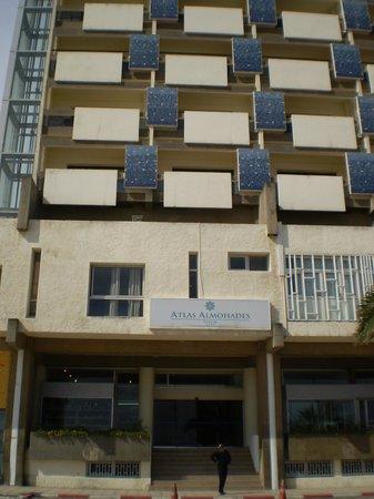 Atlas les Almohades Tanger : frontis del hotel