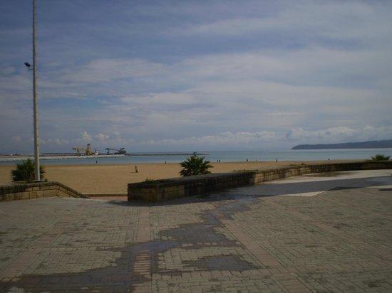 Atlas les Almohades Tanger: vista desde el hotel 3