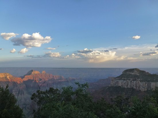 Grand Canyon Lodge - North Rim: Evening View from North Rim Lodge deck