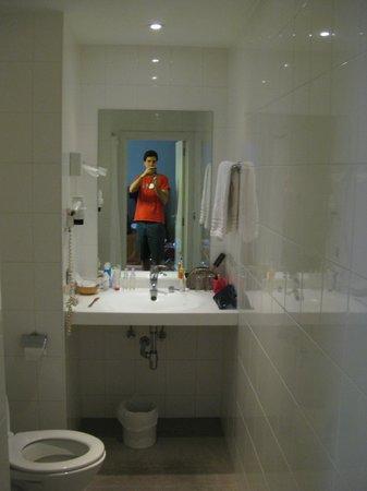 Alma Hotel: Baño