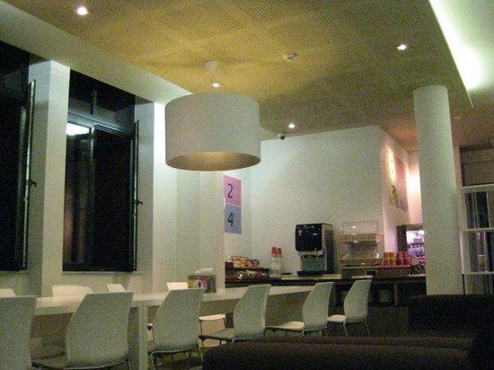 Alma Hotel: Zona común/comedor