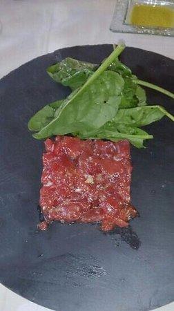 Sol i Neu Club Hermitage. : tartar de atún rojo