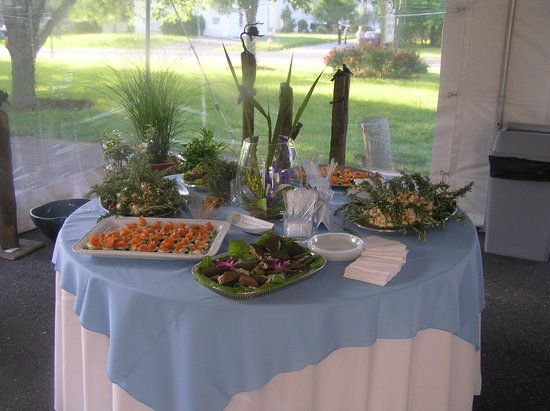 Latitude 38 : Catering available