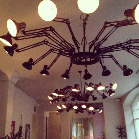 Neiburgs Restaurant: Restaurant Neiburgs' chandeliers