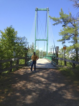 French River Provincial Park: The entrance of the snowmoblie suspension bridge at the base of the visitor center French River