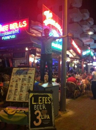 The Three Bells Restaurant Karaoke & Sports Bar: gold star recommend