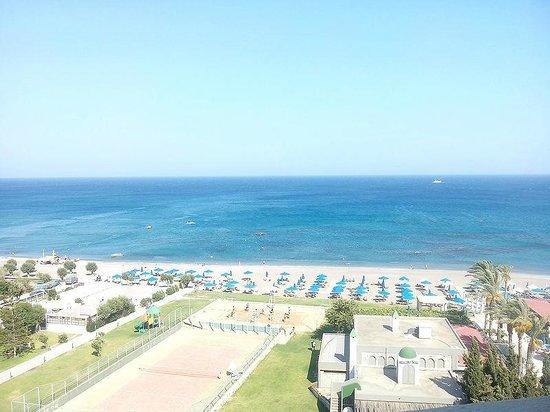 Olympos Beach Resort: Вид из номера, днем.