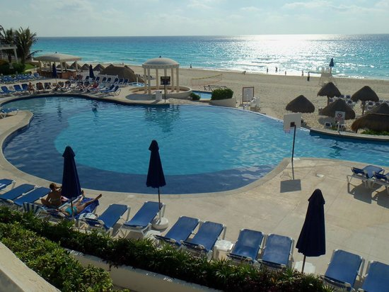 Golden Parnassus All Inclusive Resort & Spa Cancun: pool