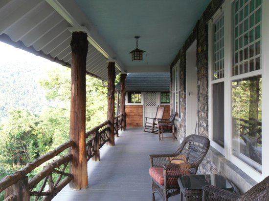 Laurel Lodge: Back porch
