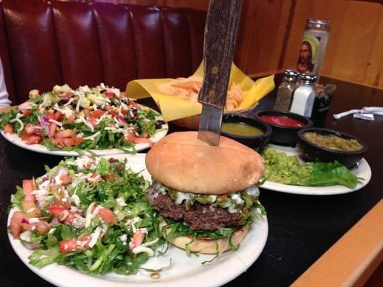 15 Quince Grill & Cantina: Salad & Jalapeño burger