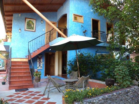 La Posada del Arte: relaxing courtyard