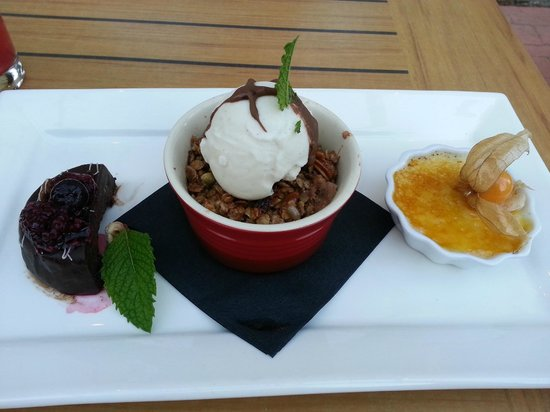 Woolsey Creek Bistro : Trio of Desserts - a perfect finish