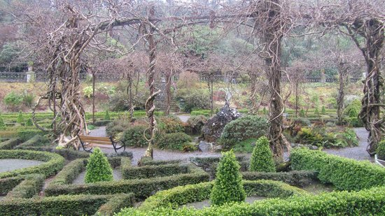 Bantry House B&B : Grounds, gardens