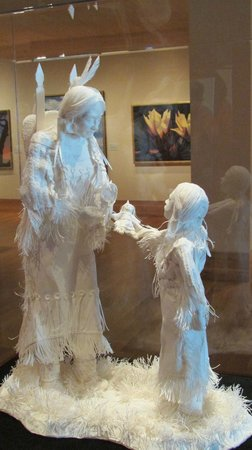 Paper sculpture of Indian mother and child - Picture of Booth