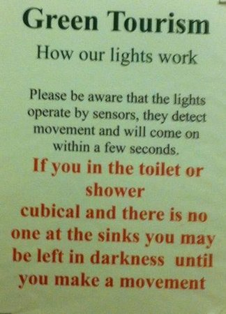 Springhill Farm Holiday Accommodation: this notice in the toilets amuses me every time we stay. Hee hee!