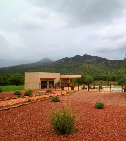 Sunglow Ranch - Arizona Guest Ranch and Resort: We visited during Monsoon season, note the low hanging clouds, the temperature was perfect.