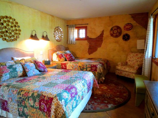 Sunglow Ranch - Arizona Guest Ranch and Resort: One of my favorite bedrooms.