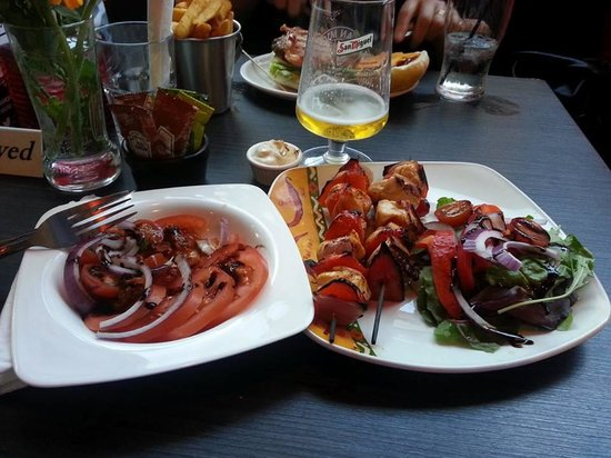 Bar 21: Chicken skewers and tomato side salad