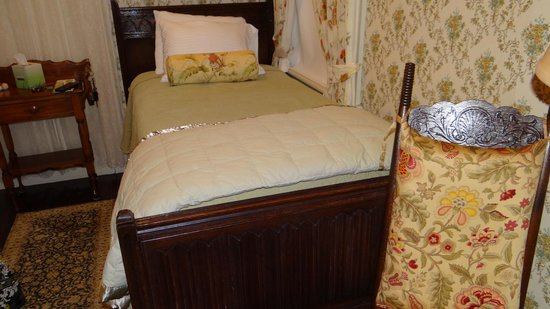 Moseley Cottage Inn and Town Motel: Room 5 - Dorr