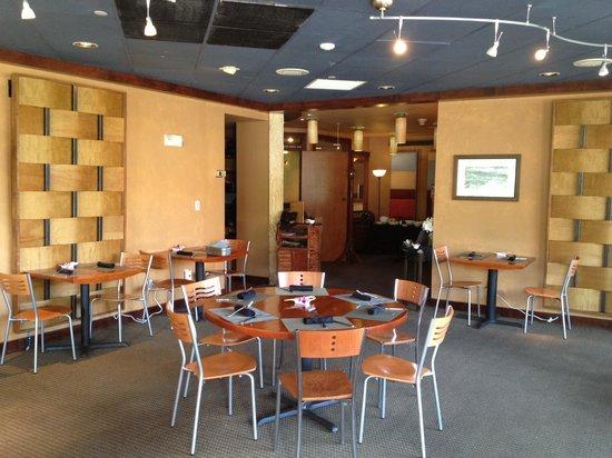 The Inn at Lost Creek: Breakfast room