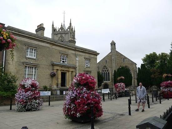 Wisbech & Fenland Museum: Front of museum