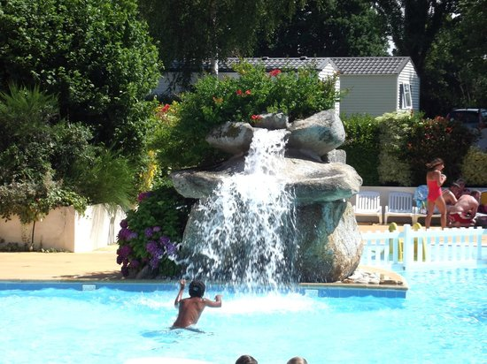 Our pitch picture of camping de la piscine fouesnant for Camping piscine