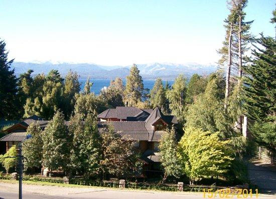 Plaza Patagonia: Vista al lago desde el balcón de la habitación