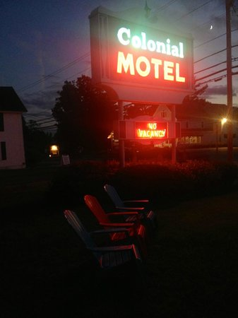 Colonial Motel: Welcome to Motel New Hampshire